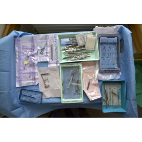 LOT D'INSTRUMENTS DE CHIRURGIE OPHTALMO