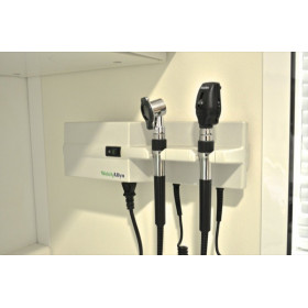 ENSEMBLE OTOSCOPE/OPHTALMOSCOPE POUR VETERINAIRE WELLCH ALLYN SUR CHARGEUR MURAL