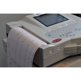 ELECTROCARDIOGRAPH OF REPOS MAC 1200 GE HEALTHCARE