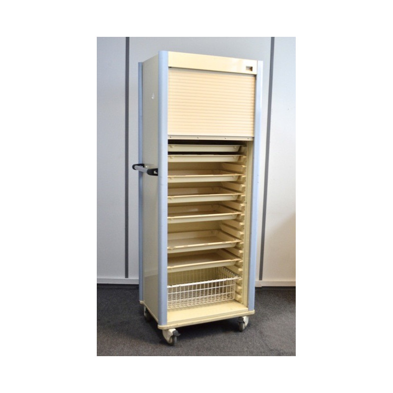 http://medical.fr/13848-thickbox_default/armoire-roulante-a-medicaments-grand-format-fermeture-a-volet.jpg