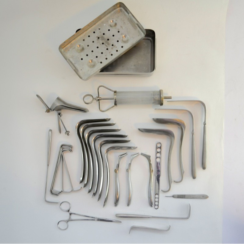 http://medical.fr/16580-thickbox_default/tambour-autoclavable-avec-instruments-gyneco.jpg