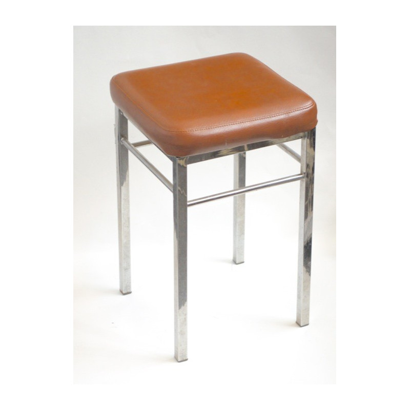 http://medical.fr/16967-thickbox_default/tabouret-4-pieds-sellerie-marron.jpg