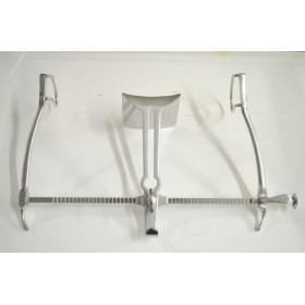 GOSSET RETRACTOR WITH 3 VALVAS 22CM