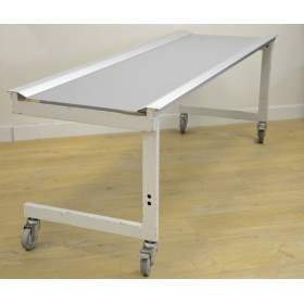 TABLE MOBILE RADIO-TRANSPARENTE POUR RADIOGRAPHIE