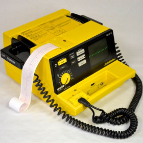 DEFIBRILLATEUR HP CODEMASTER XL M1723B