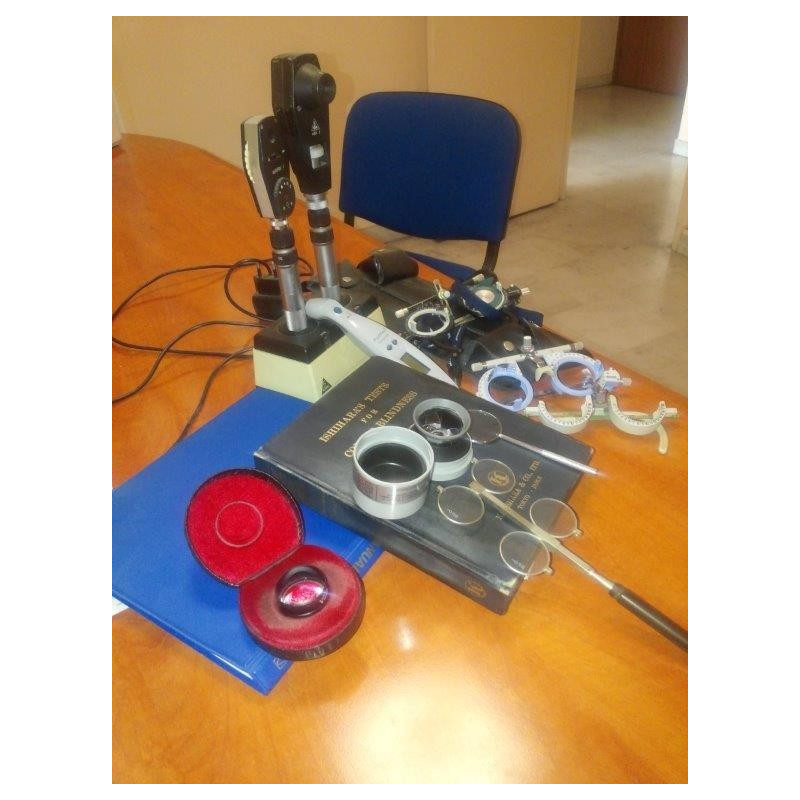 LOT OF DIFFERENT MATERIALS CONSULTATION OPHTHALMOLOGICAL