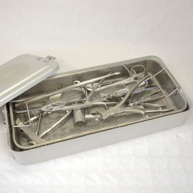 BOX OF ORTHOPEDIC INSTRUMENTS  / 6