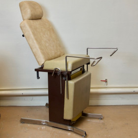 GYNECOLOGICAL EXAMINATION DIVA WITH CALVES, HEAD SUPPORT
