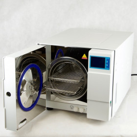 AUTOCLAVE 8 LITRES CLASS B WITH USB AND DOUBLE LOCKING SYSTEM