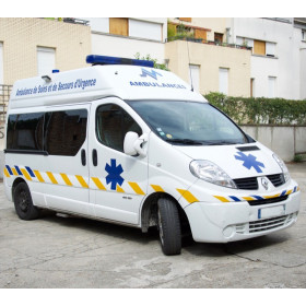 AMBULANCE RENAULT TRAFFIC