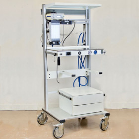 ANESTHESIA TROLLEY WITH SALUTATEC BYPASS O2 RAMP