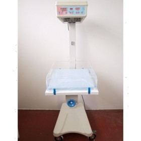 TABLE DE REANIMATION NEONATALE LR90 NON ENCORE UTILISEE