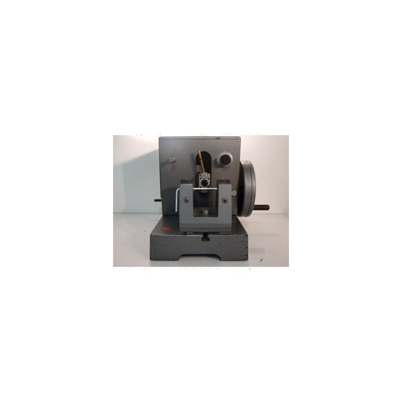 http://medical.fr/32-thickbox_default/microtome.jpg