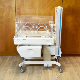 COUVEUSE OHMEDA GE GIRAFFE OMNIBED