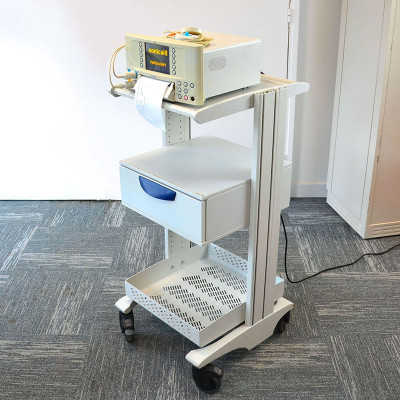 CARDIOTOCOGRAPHE HUNTLEIGH SONICAID FM800 SUR CHARIOTS