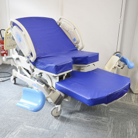 HILL ROM AFFINITY 3 DELIVERY BED, ELECTRIC MOVEMENTS, BARRIER CONTROL